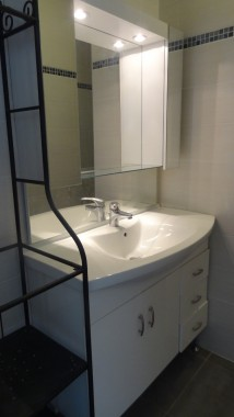 meuble vasque avec rangements et miroirs