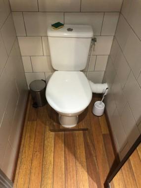 Toilettes 1 / Toilet 1