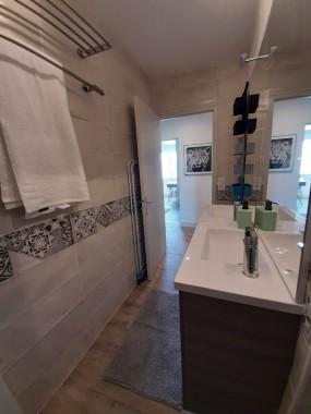 Salle d'eau principale (sortie douche)