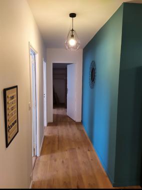 Couloir qui mène aux chambres
